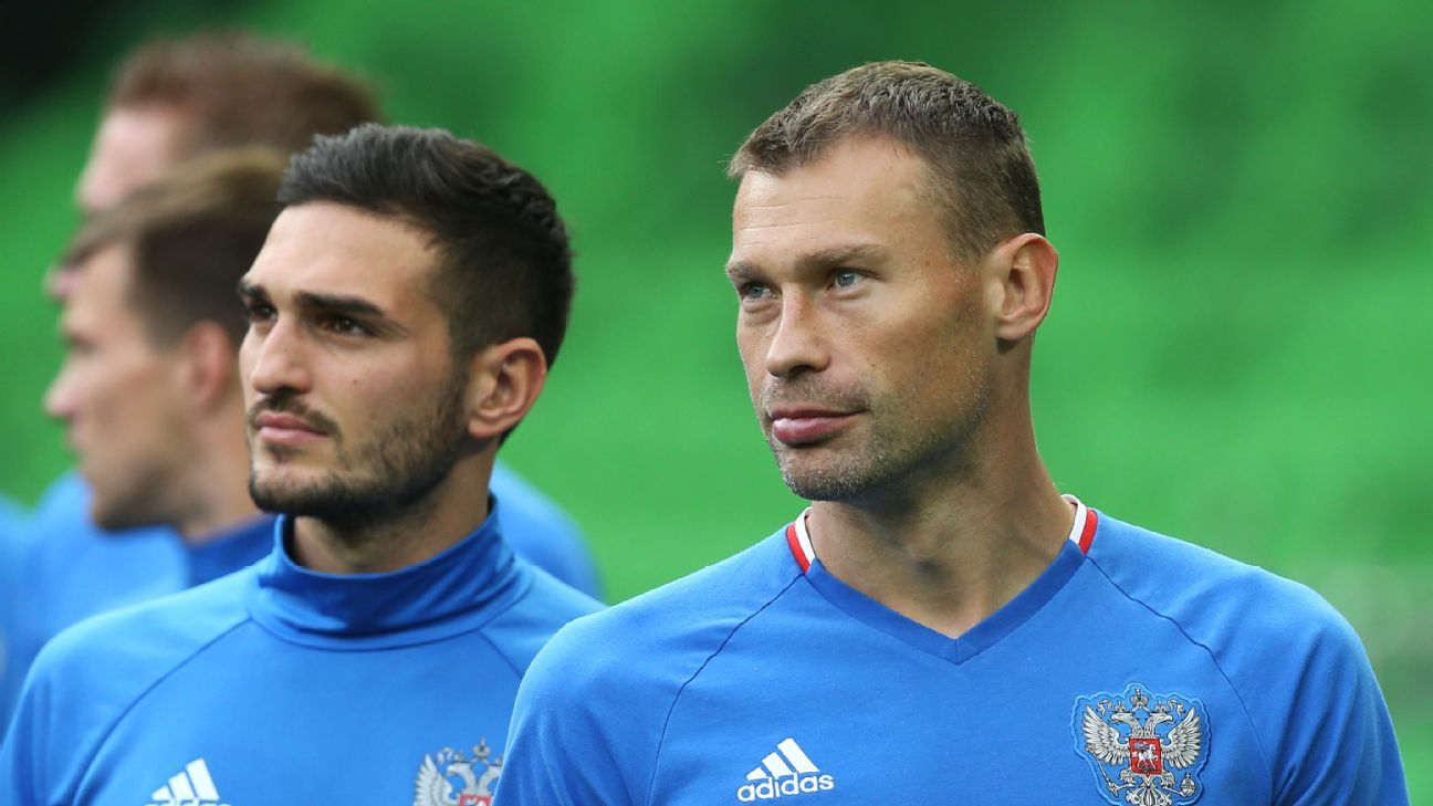 Vasily Berezutsky pictured during training with the Russia national team in October 2016.