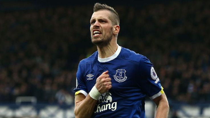 Everton\'s Morgan Schneiderlin denies being sent home from training ...