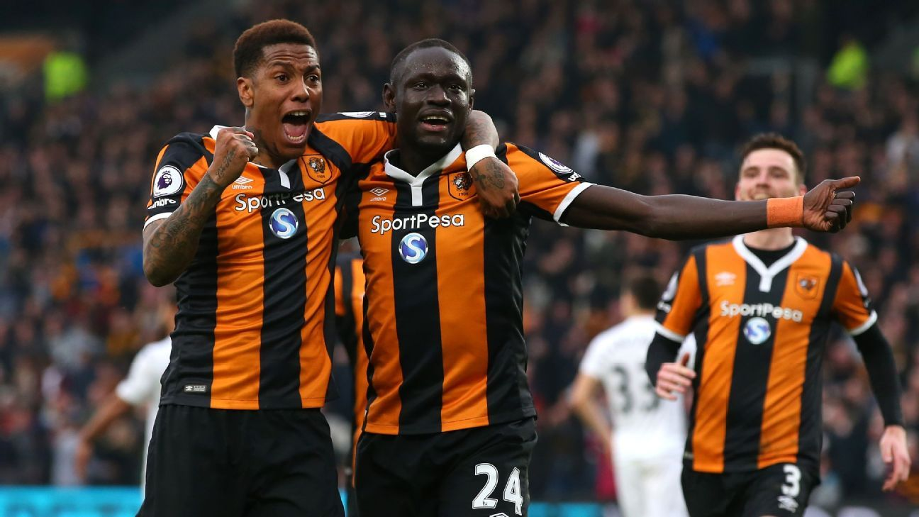 Hull City edged Swansea City on Saturday.