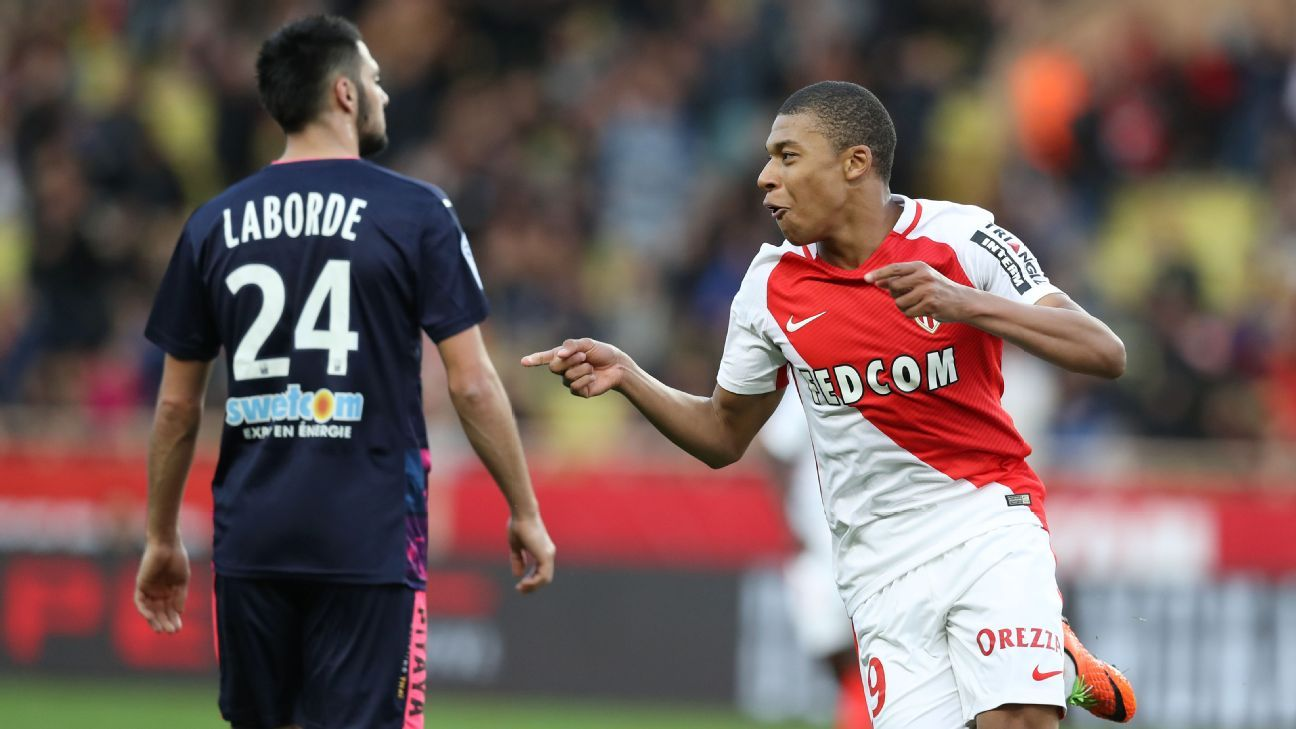 Kylian Mbappe and Monaco kept up their title challenge with a 2-1 win.