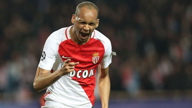 Fabinho began his professional career in Portugal with Rio Ave.