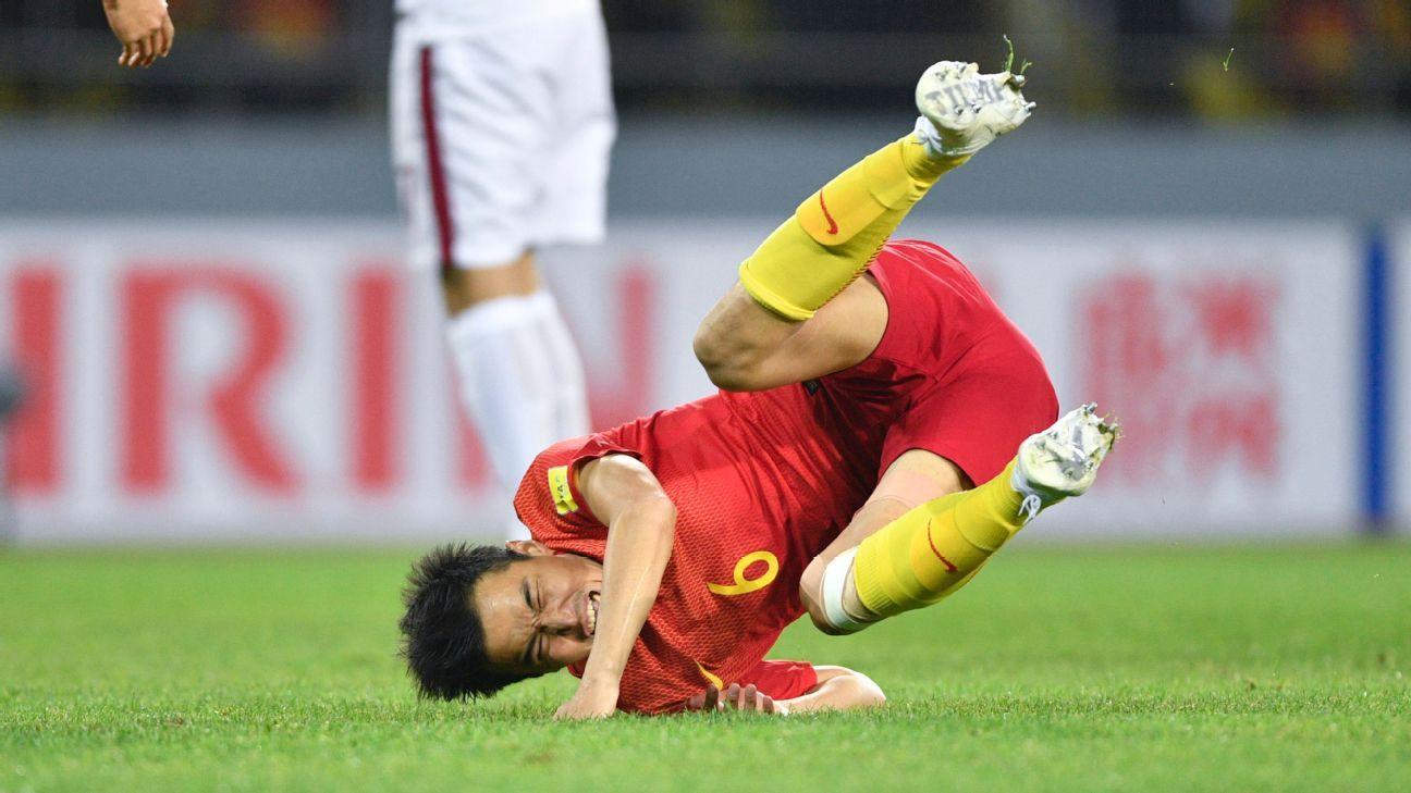 China midfielder Feng Xiaoting