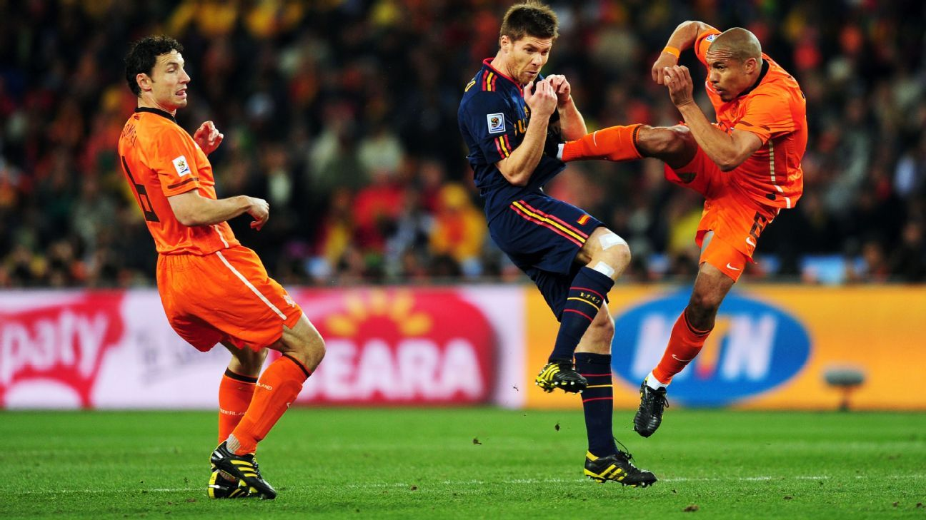 Nigel de Jong is yet to speak to Xabi Alonso about this tackle in the 2010 World Cup final.