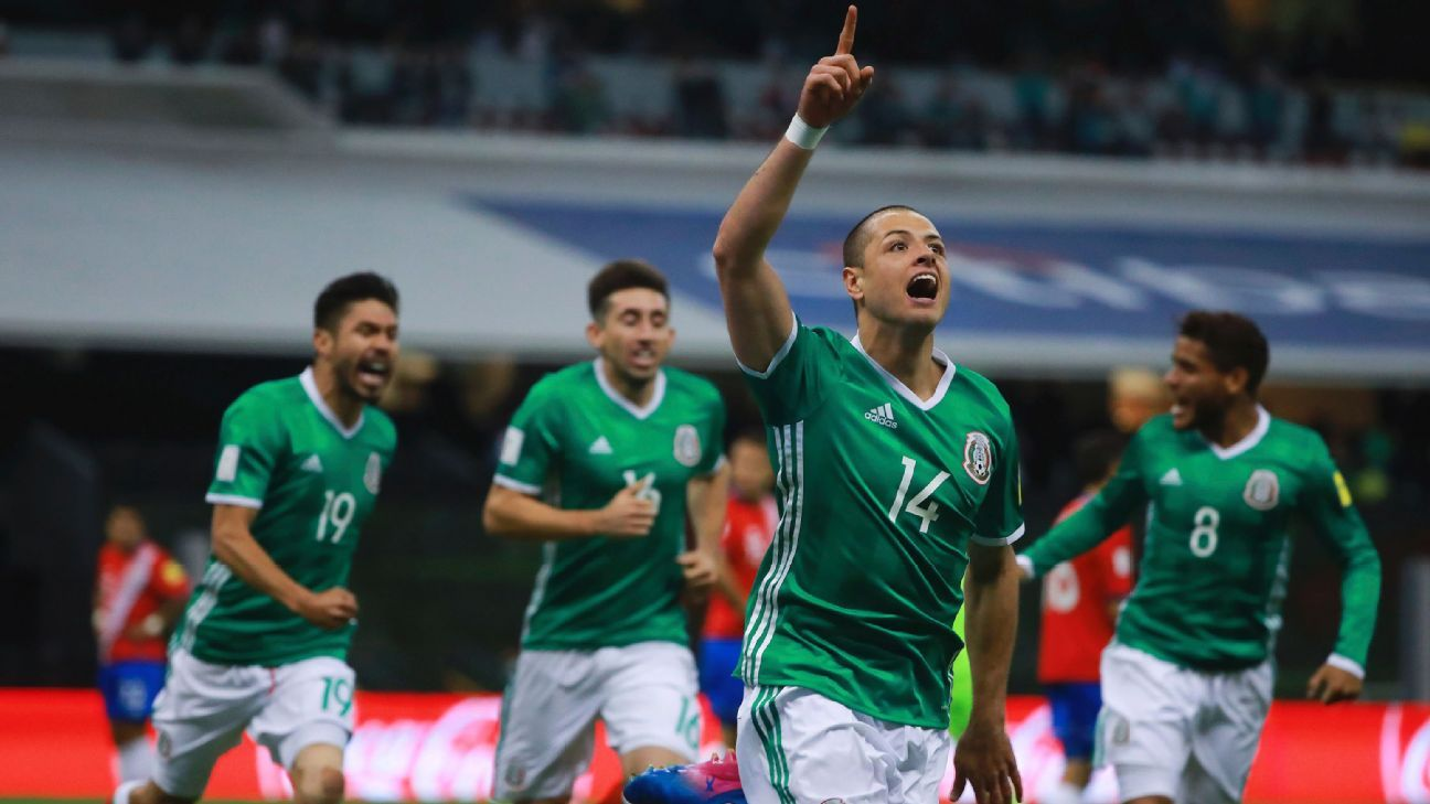 Javier Hernandez celebrates after scoring the opener for Mexico in a World Cup qualifier against Costa Rica.