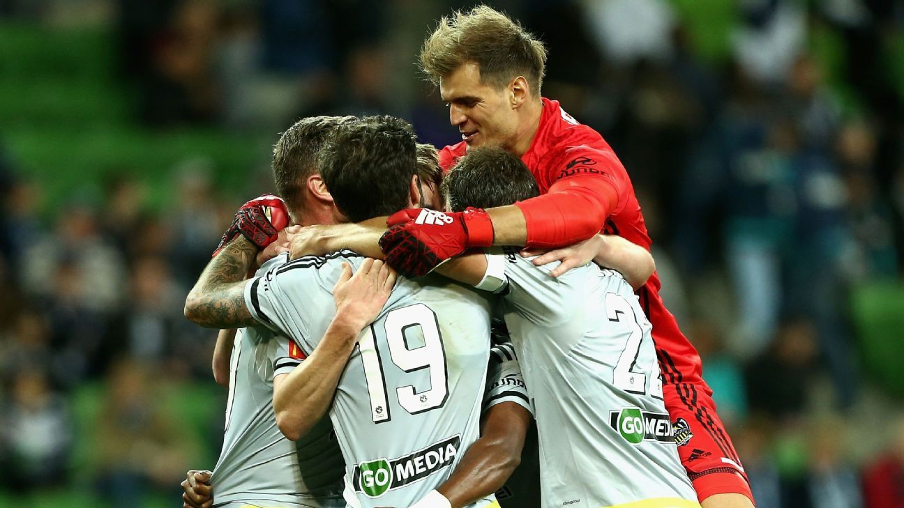 Wellington Phoenix were too strong for Melbourne Victory.