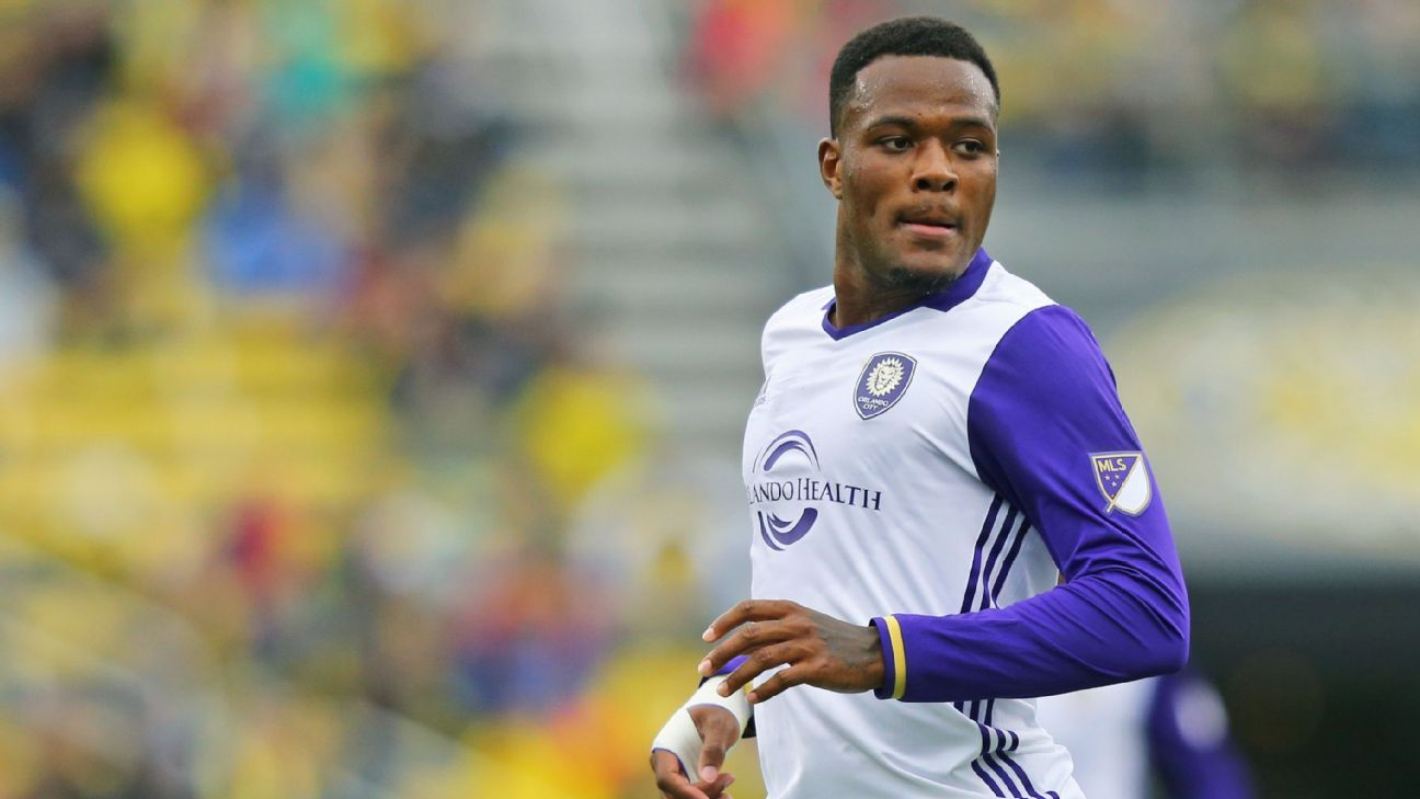 Cyle Larin trains with Besiktas with Orlando contract in dispute