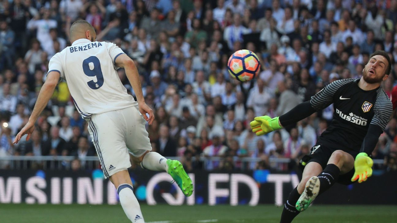 Jan Oblak and Antoine Griezmann help Atletico Madrid grab late
