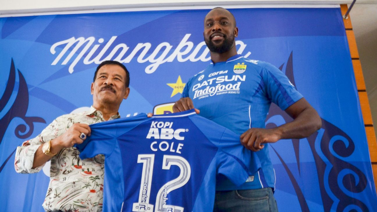 Carlton Cole unveiled at Persib Bandung in Indonesia