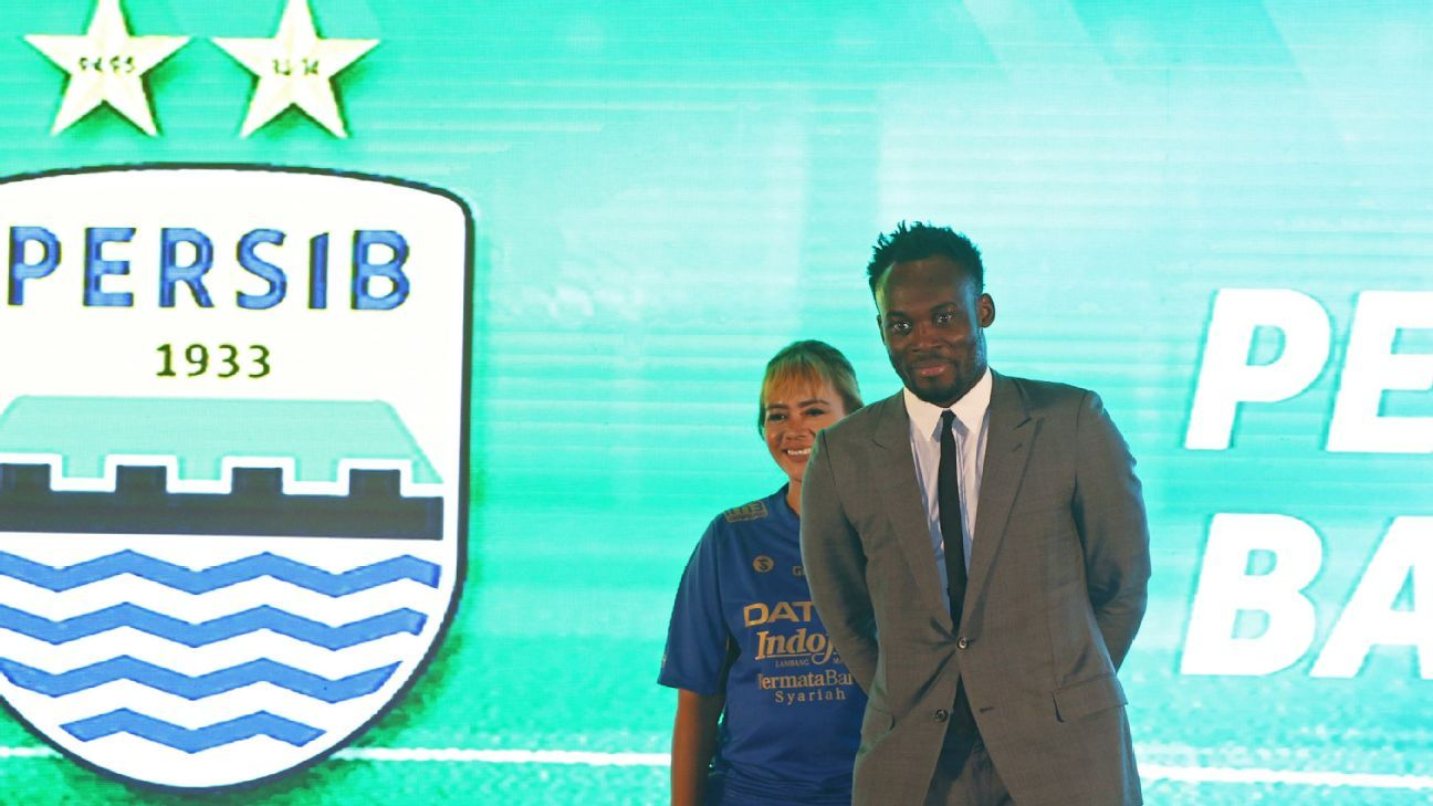 Michael Essien unveiled at Persib in Indonesia