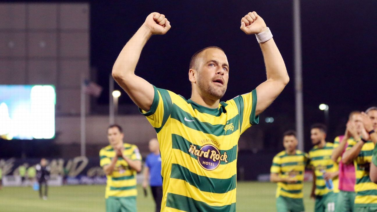 Joe Cole moved to the Tampa Bay Rowdies in 2016.