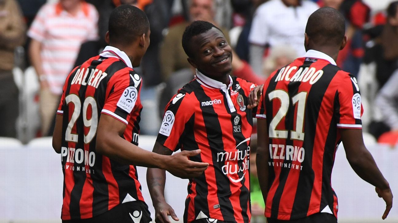 Nice celebrate after Jean Michel Seri scored.