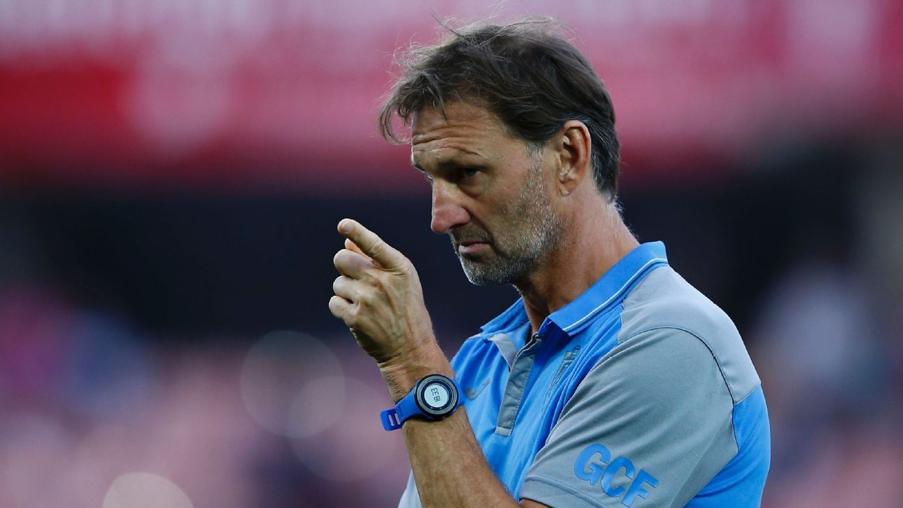 Tony Adams during Granada's La Liga defeat against Celta Vigo in April 2017.