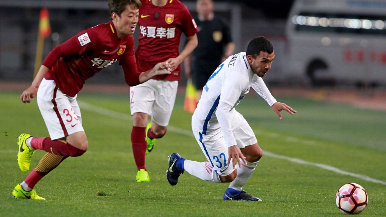 Carlos Tevez of Shanghai Shenhua vs Hebei China Fortune