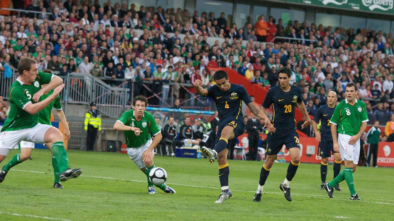 Rhys Williams and Tim Cahill for Australia in 2009