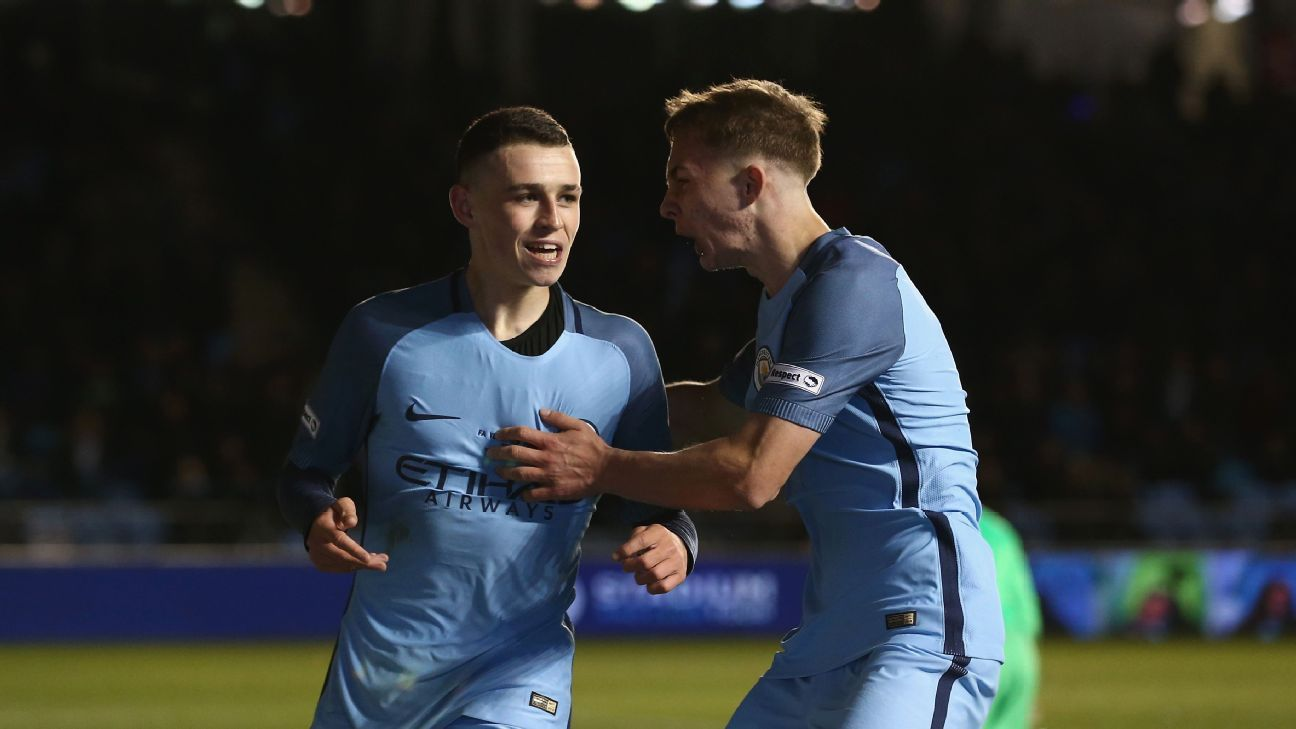 Foden celeb Man City FA Youth Cup 170418