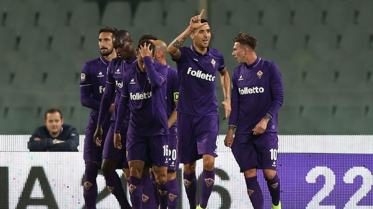 Matias Vecino of Fiorentina celebrates after scoring a goal in his team's win against Inter Milan.