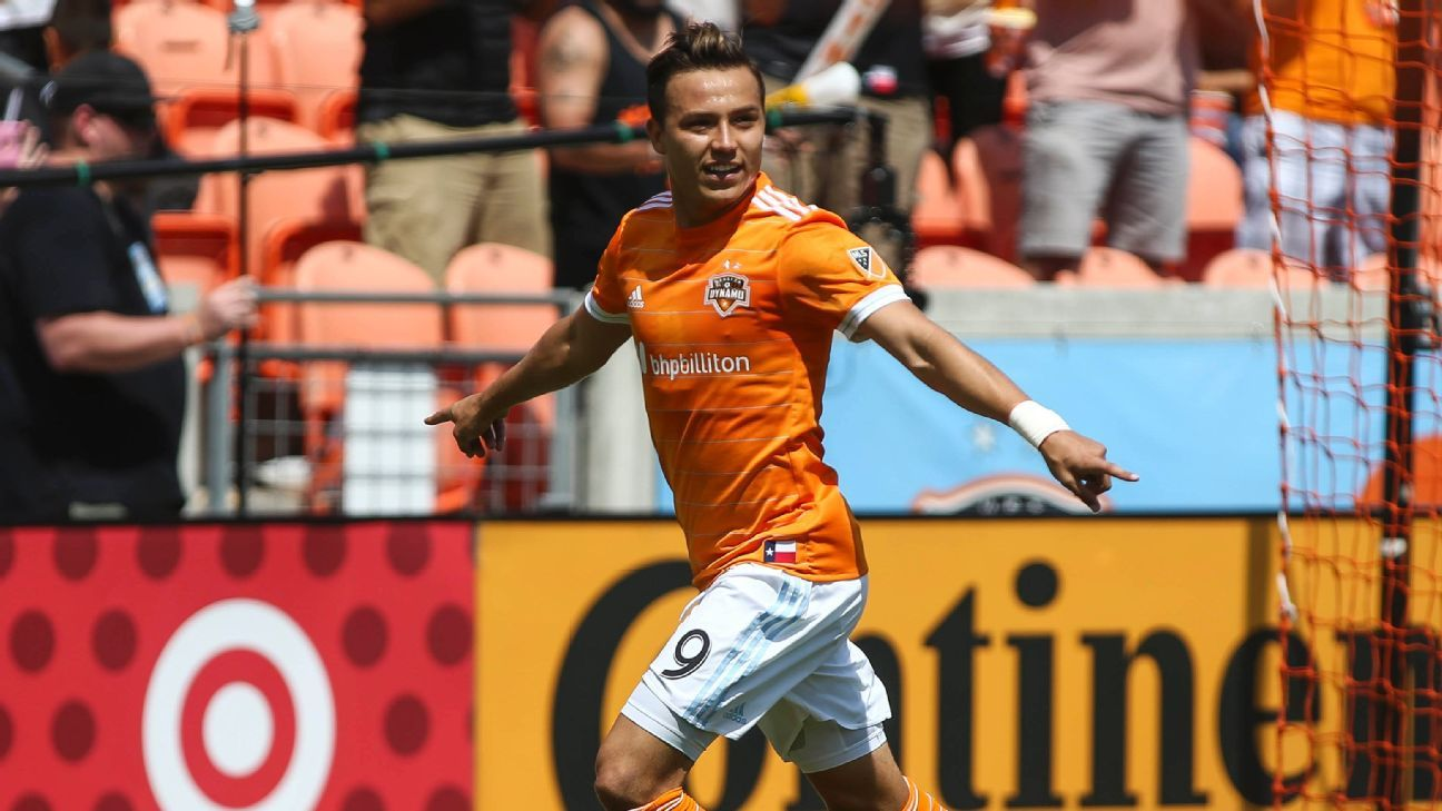 Erick 'Cubo' Torres joins Liga MX's Pumas from Houston Dynamo