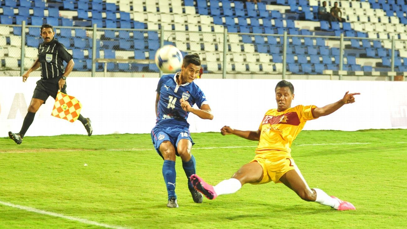Royal Wahingdoh (in yellow) ended third in 2015, behind Mohun Bagan and Bengaluru FC.