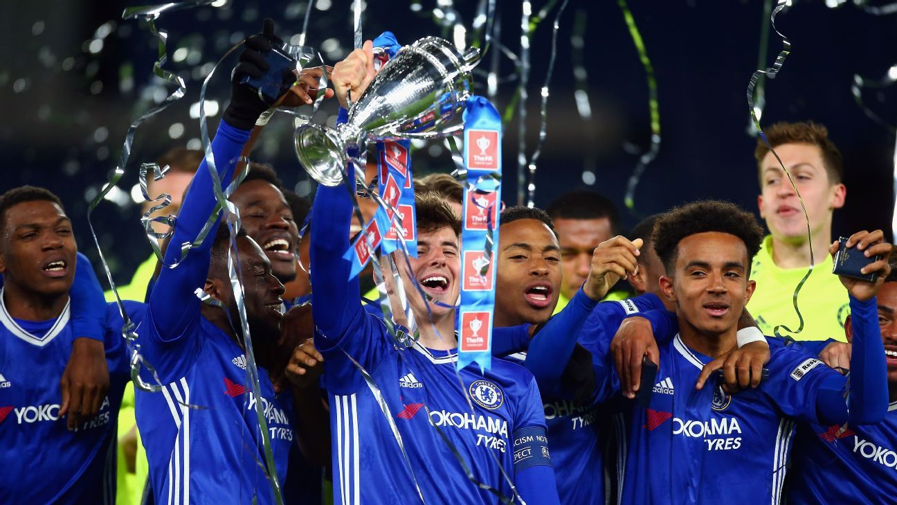 Mason Mount and his Chelsea teammates celebrate after beating Manchester City to win the FA Youth Cup.