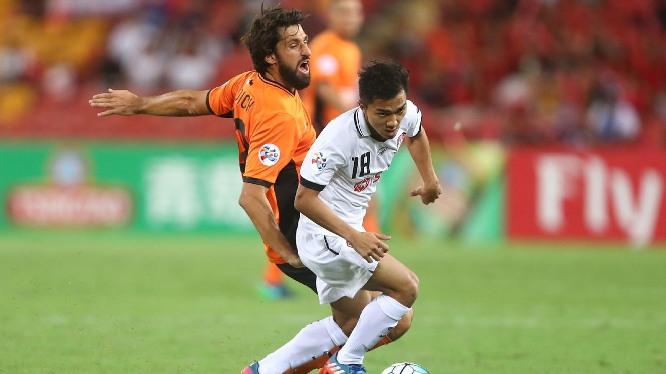 Thomas Broich and Chanathip in ACL