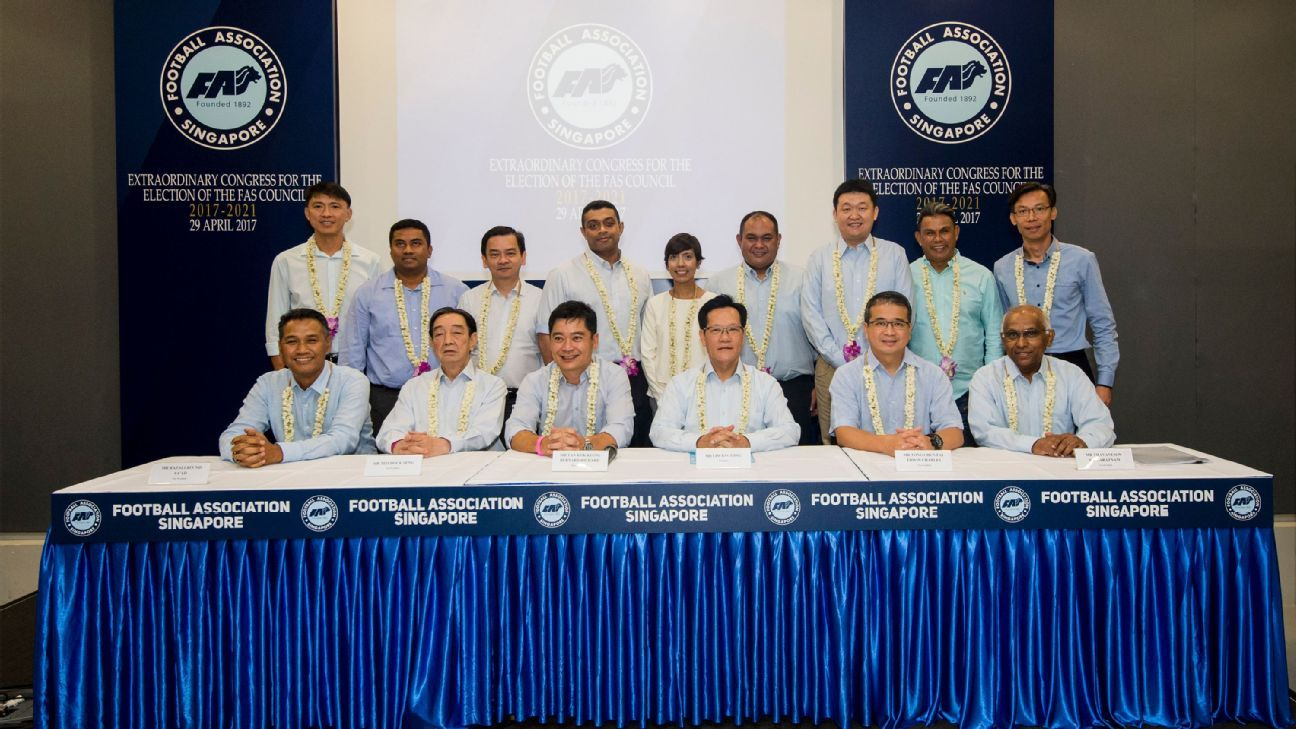 FAS president Lim Kia Tong and new FAS Council