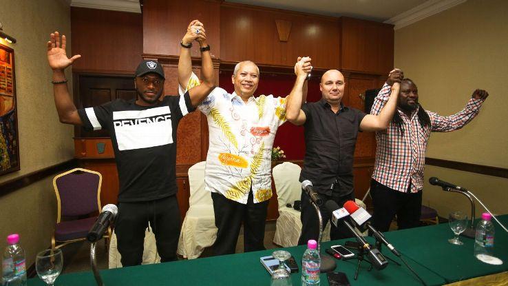 Kelantan boss Annuar Musa with Alfredo Carlos Machado and Sanna Nyassi