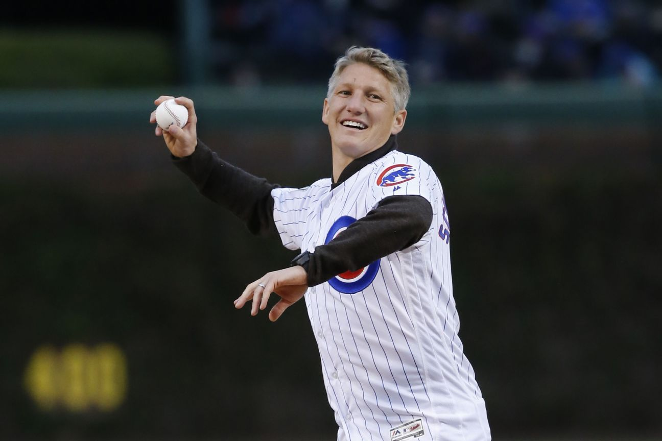 Schweini first pitch Chicago Cubs