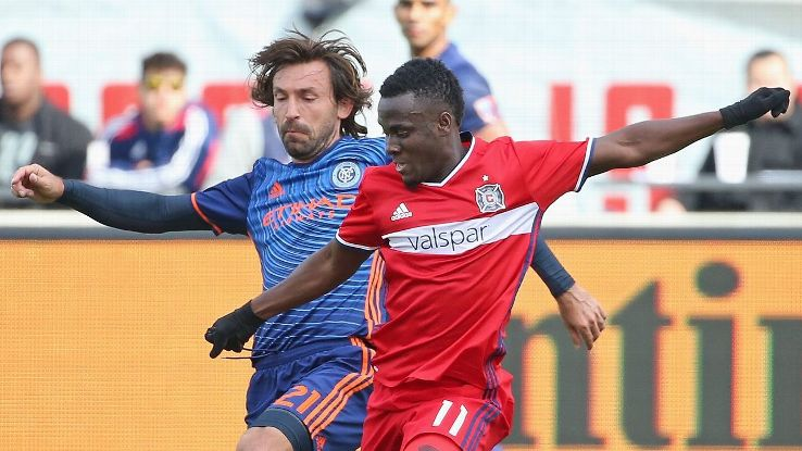David Accam tussles with Italian legend Andrea Pirlo