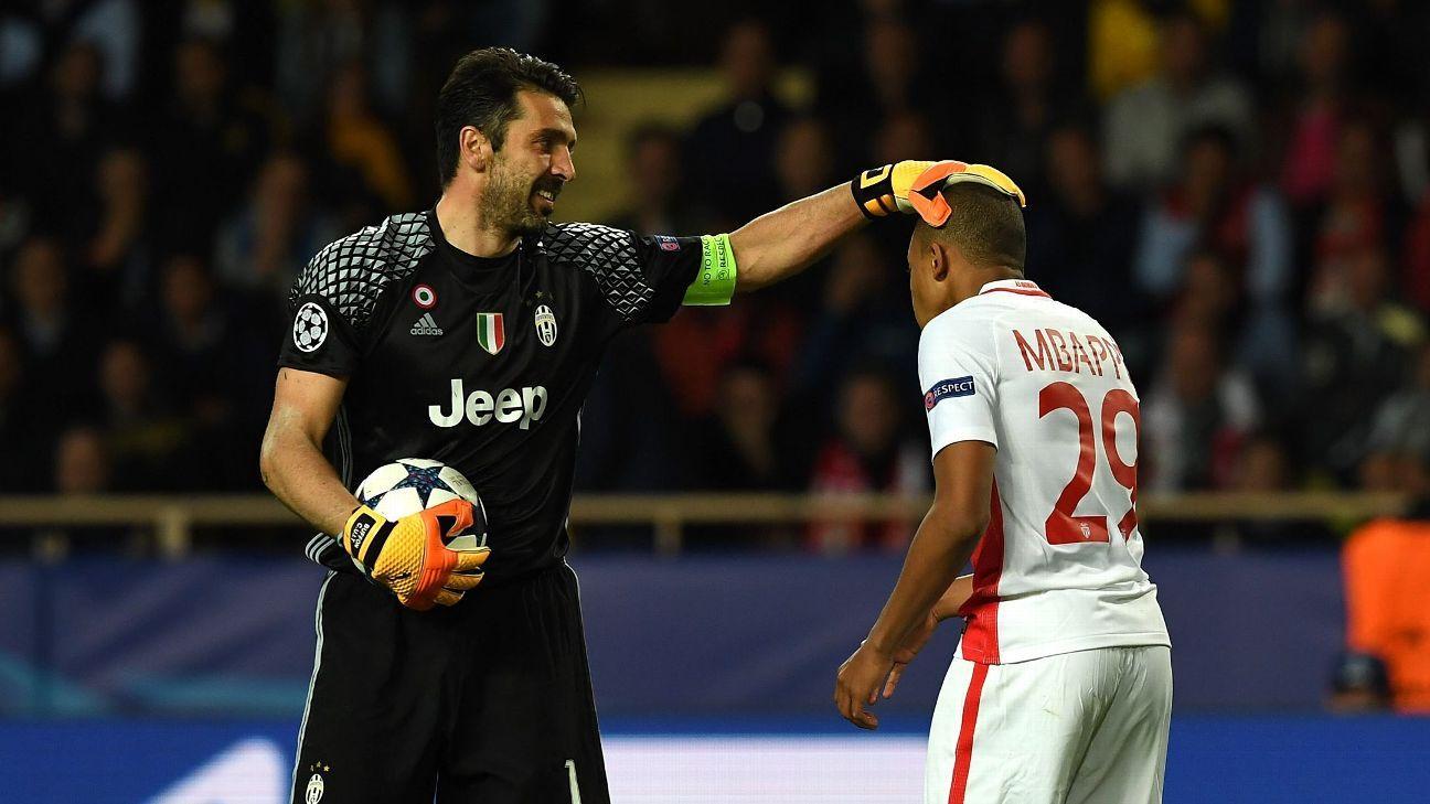 Gianluigi Buffon & Kylian Mbappe