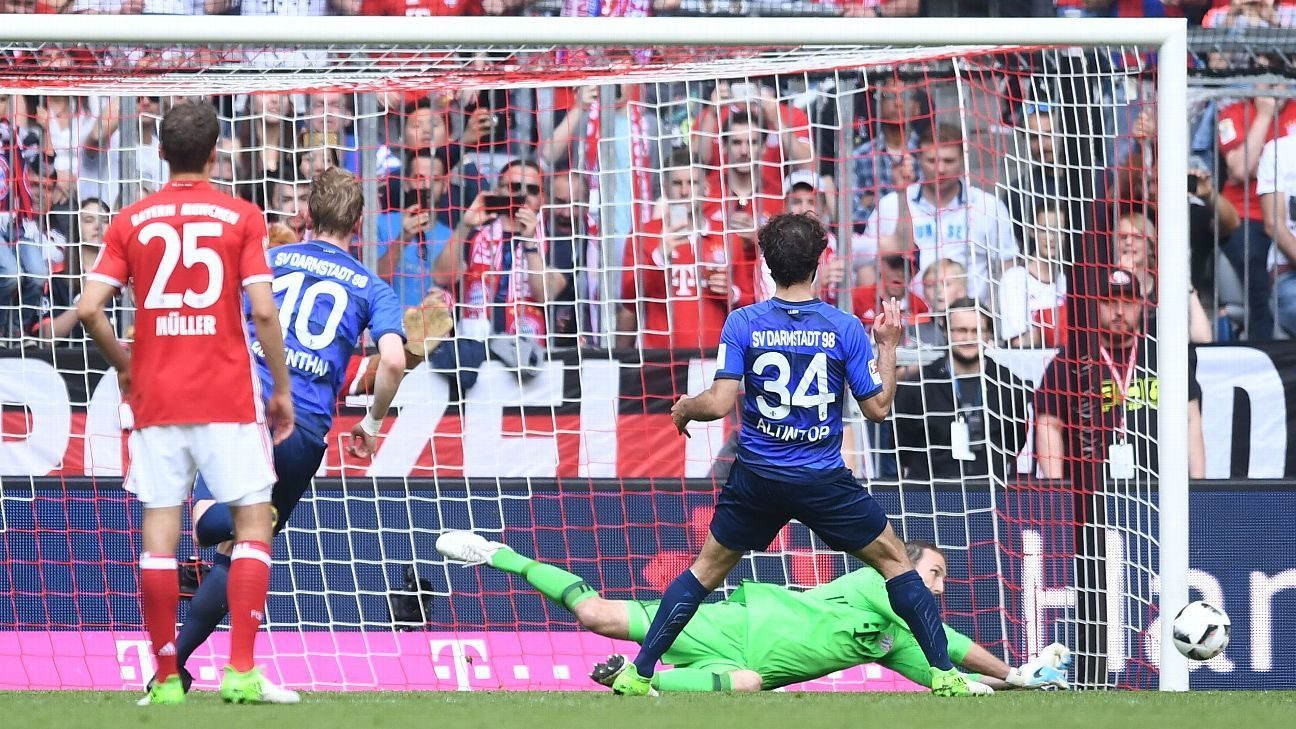 Tom Starke Bayern penalty save vs. Darmstadt