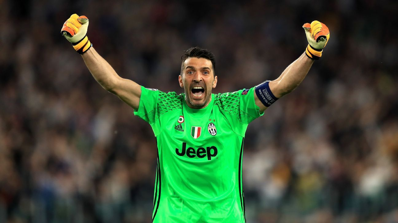 Juventus goalkeeper Gianluigi Buffon a Ballon d'Or contender - Iker Casillas