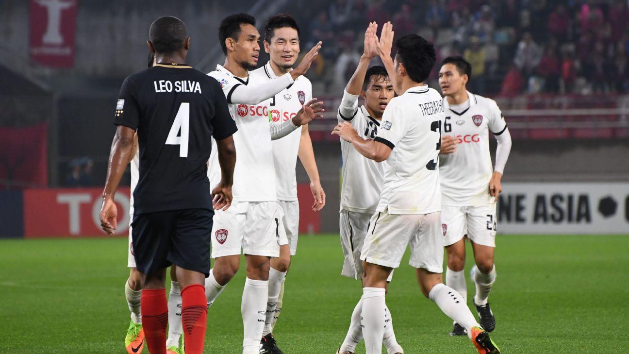 Teerasil Dangda celebrates Muang Thong ACL goal