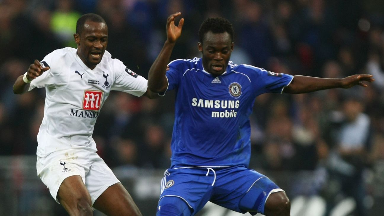 Zakora v Essien in 2008 Carling Cup final