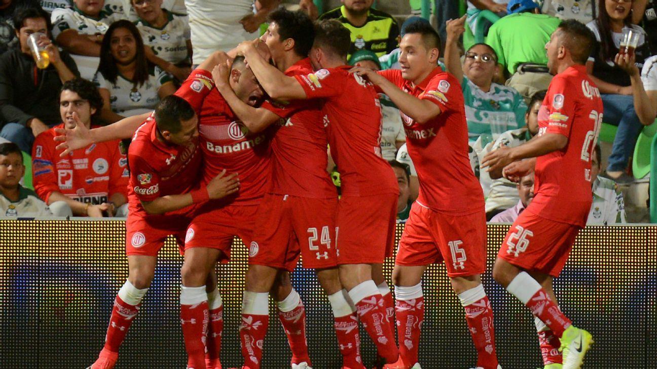 Toluca celebrates