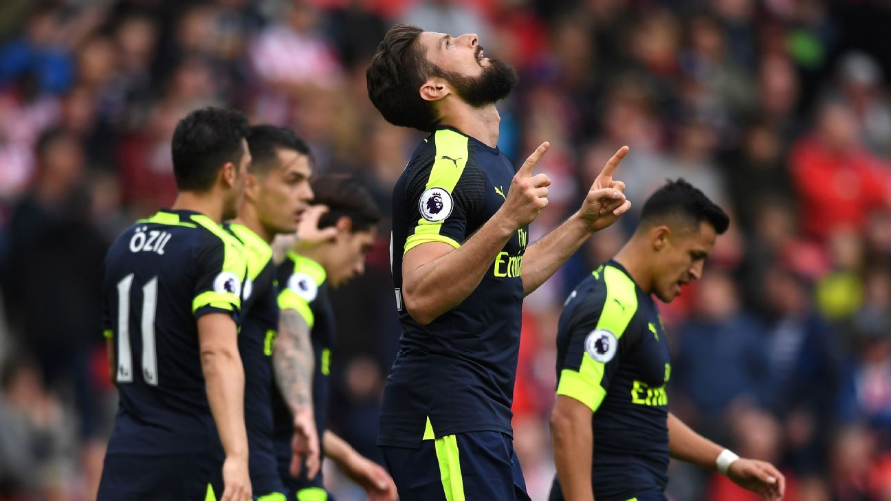 Olivier Giroud bagged a brace for Arsenal at Stoke.