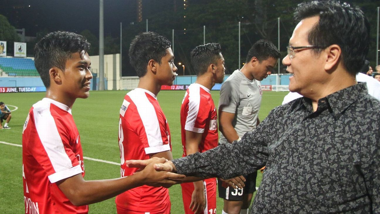 Garena Young Lions meet FAS boss Lim Kia Tong