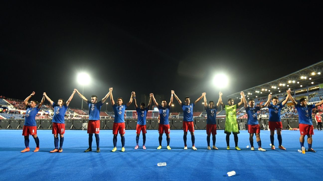 JDT salute Larkin Stadium crowd after AFC Cup win
