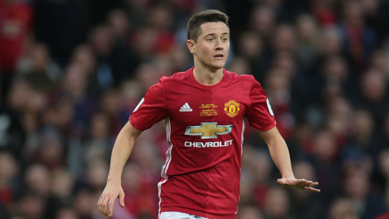 Manchester United's Ander Herrera set to snub Barcelona move - sources