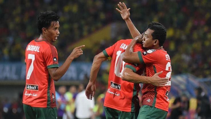 Kedah celebrate goal vs Pahang in FA Cup final