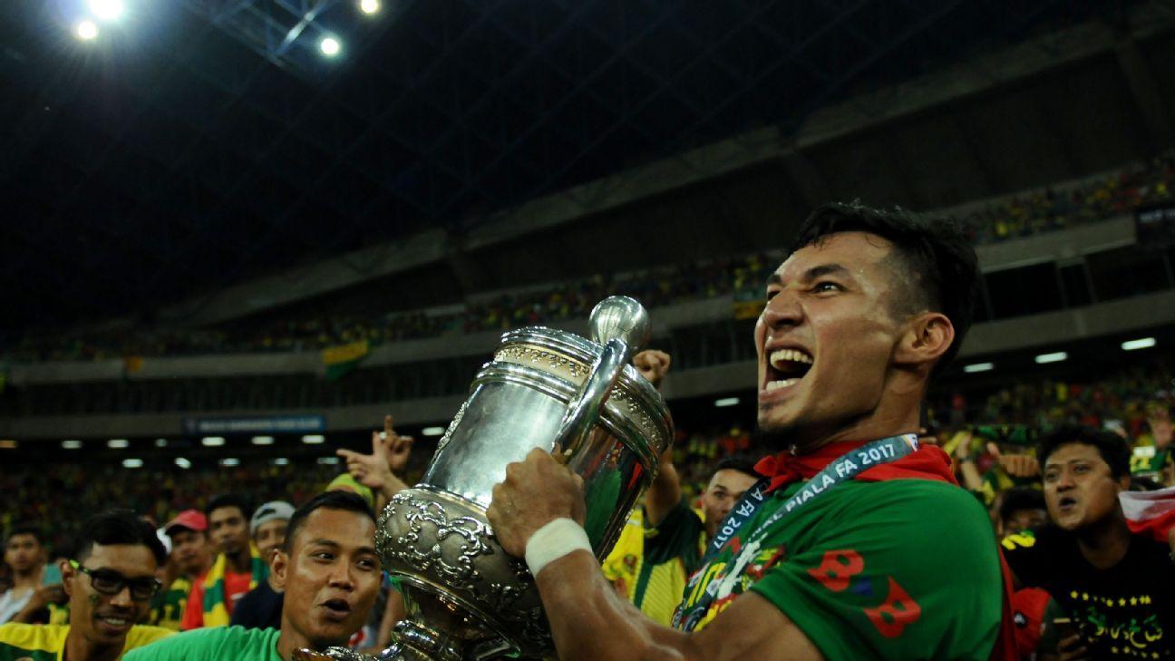 Baddrol lifts Malaysia FA Cup for Kedah