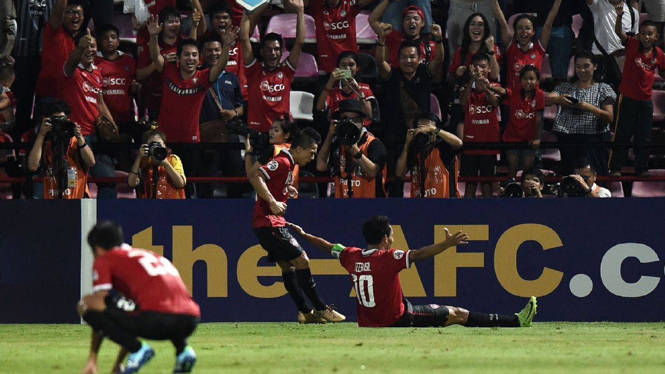 Teerasil celebrates ACL goal for Muang Thong v Kawasaki