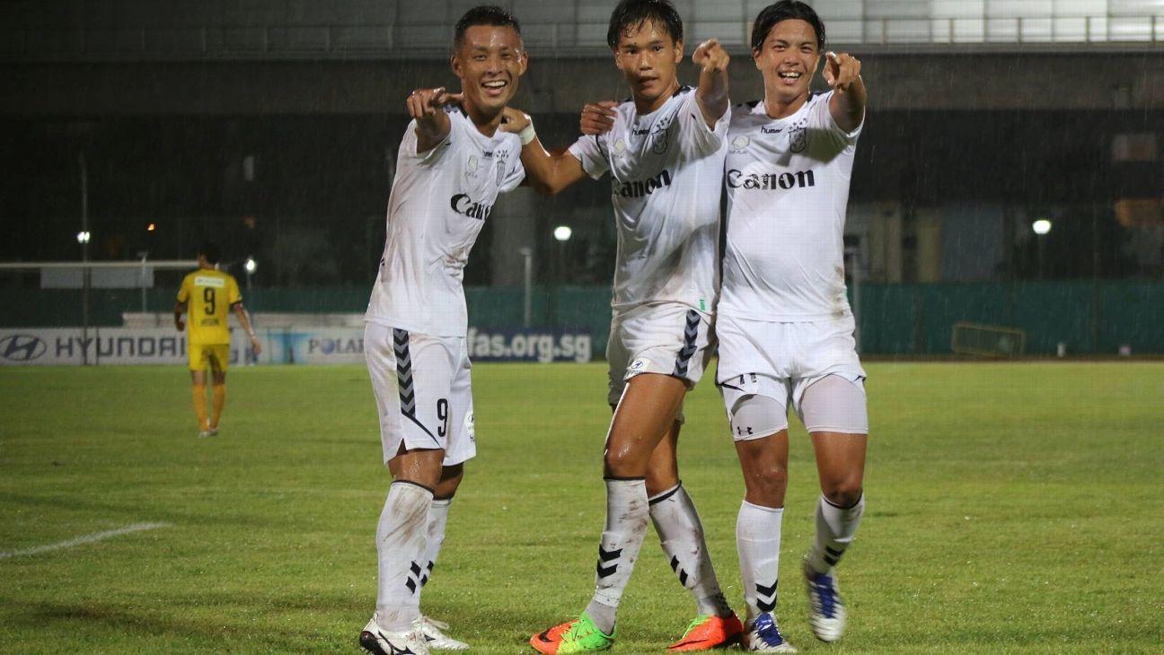 Tsubasa Sano and Albirex Niigata (S) celebrate