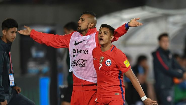 Arturo Vidal would like his Chile international teammate Alexis Sanchez to leave Arsenal and join him at Bayern Munich.