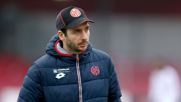 Sandro Schwarz has signed a contract to coach the Mainz senior side until 2020.