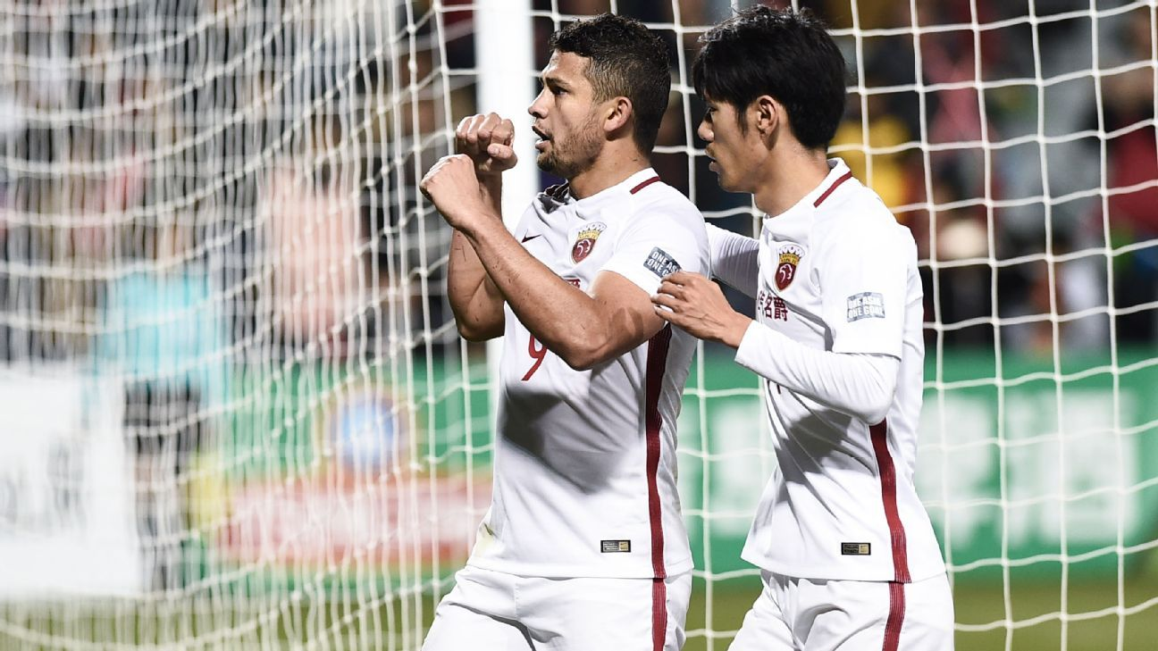 Elkeson celebrates ACL goal for Shanghai SIPG