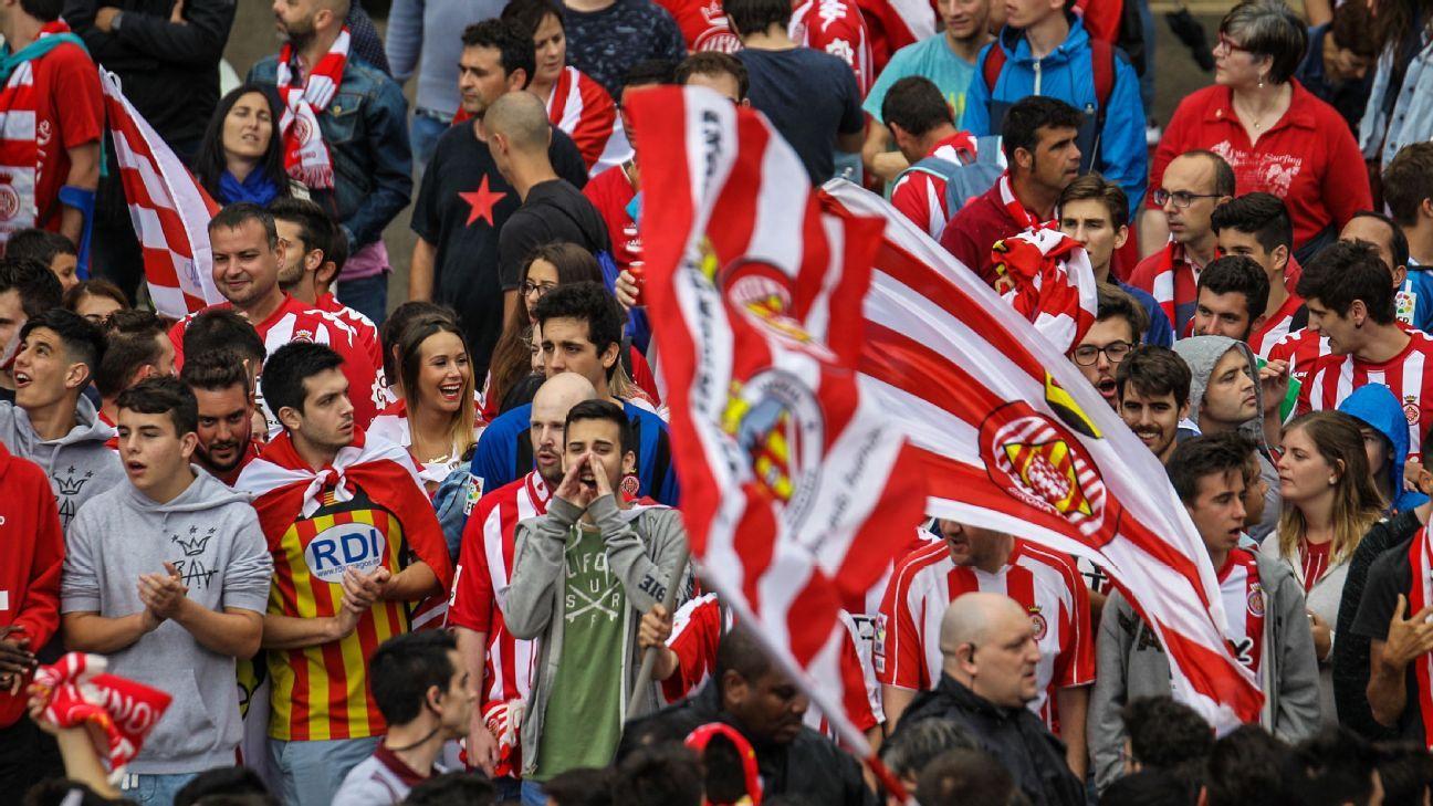 Girona fans celebrate promotion 170604