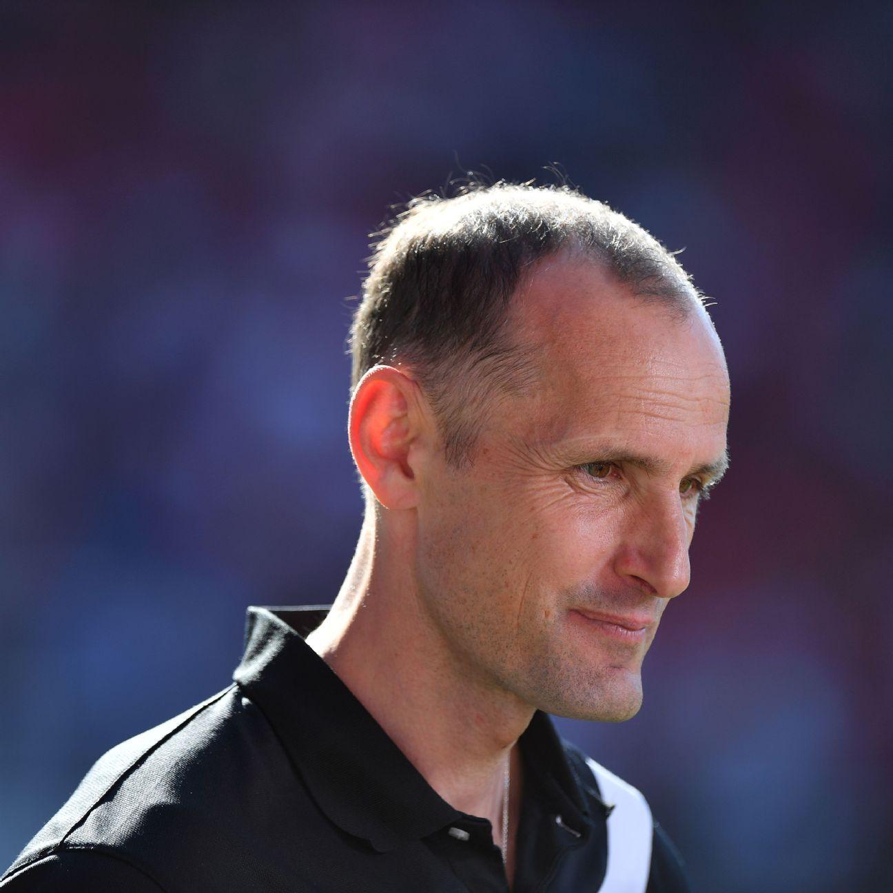 Heiko Herrlich has left Jahn Regensburg to become head coach at Bayer Leverkusen.