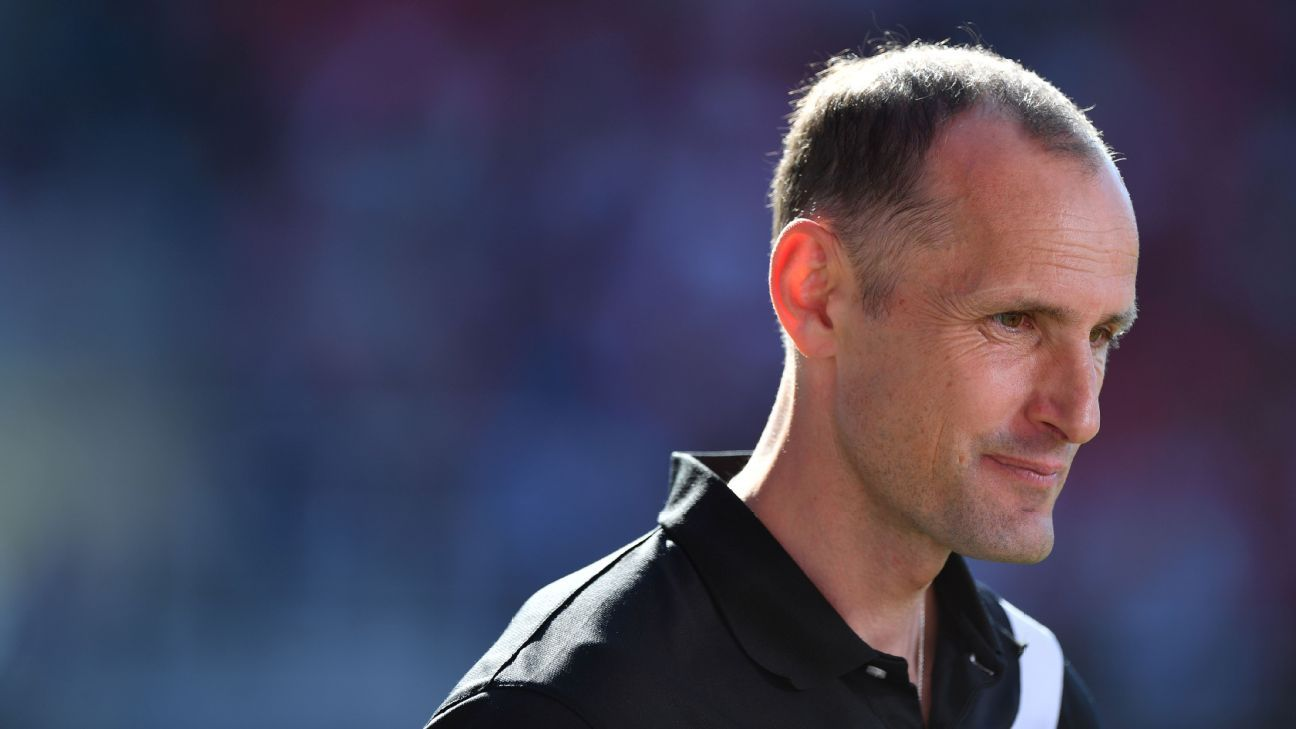 Heiko Herrlich has left Jahn Regensburg to become head coach at Bayer Leverkusen.