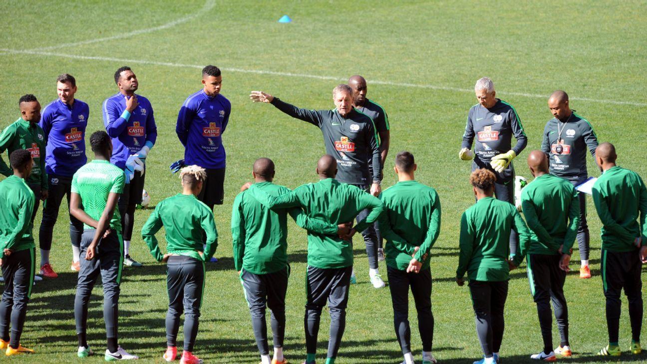 Stuart Baxter takes South Africa training