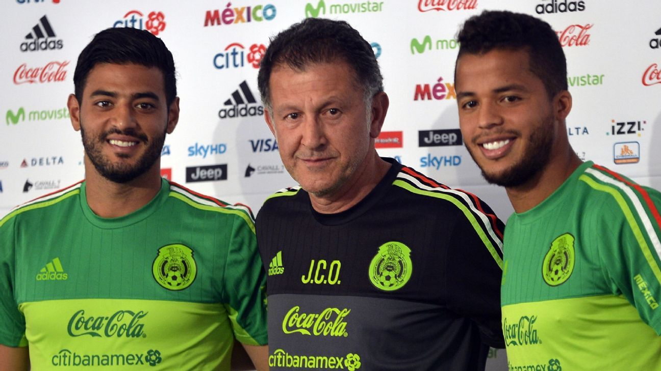 Carlos Velo, Juan Carlos Osorio and Giovani dos Santos
